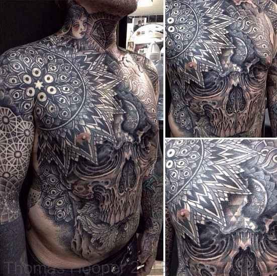 Brusttattoos für Männer – Tattoo Spirit