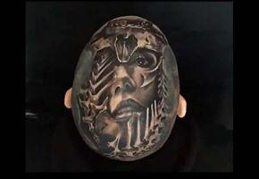 Das total verrückte Kopf-Tattoo