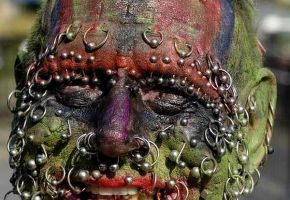 Most extreme Body-Piercings (Warning: Graphic)
