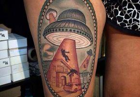 Geheimnisvolle UFO-Tattoos