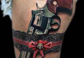 Tattoomotive: Handfeuerwaffen