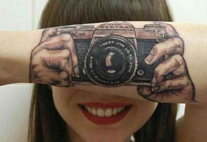 Creative Tattoos That Make Clever Use Of The Body
