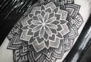 Mandala Tattoos mit Chris Bint