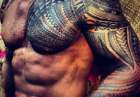 Beeindruckende Tribal Tattoos