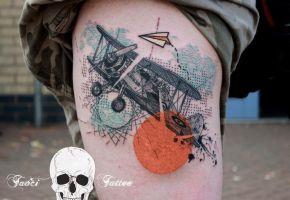 40 Flugzeug Tattoos