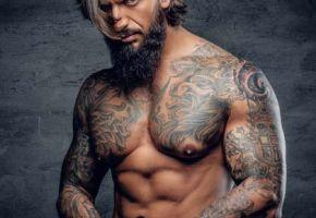 Muskeln und Tattoos - Das sind die Trends für 2018