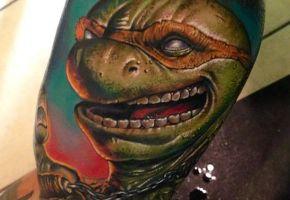 Der bunte Lila Farbenrausch aus Tattoomerika