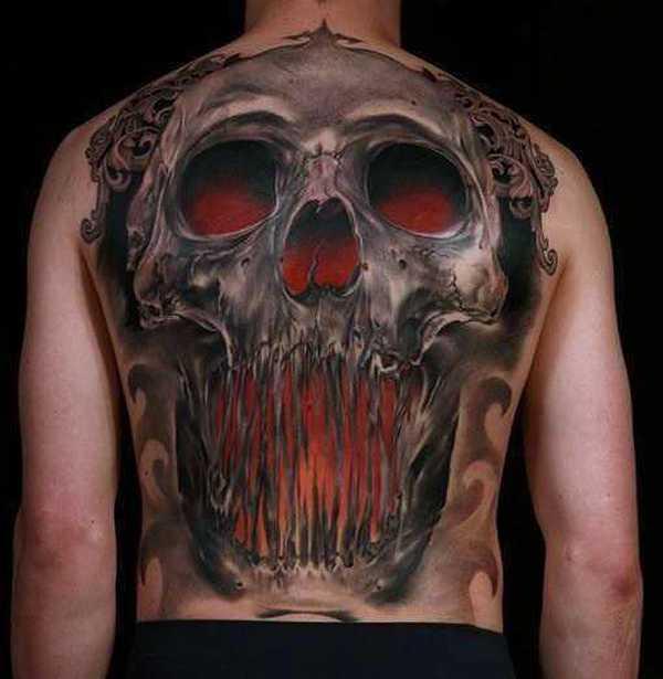 Skull Back Piece: Flächendeckende Meisterwerke