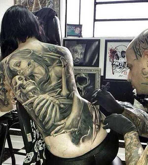 gro e r cken tattoos f r frauen tattoo spirit. Black Bedroom Furniture Sets. Home Design Ideas