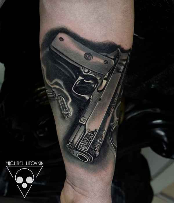 Tattoomotive handfeuerwaffen tattoo spirit - Tatouage pistolet femme ...