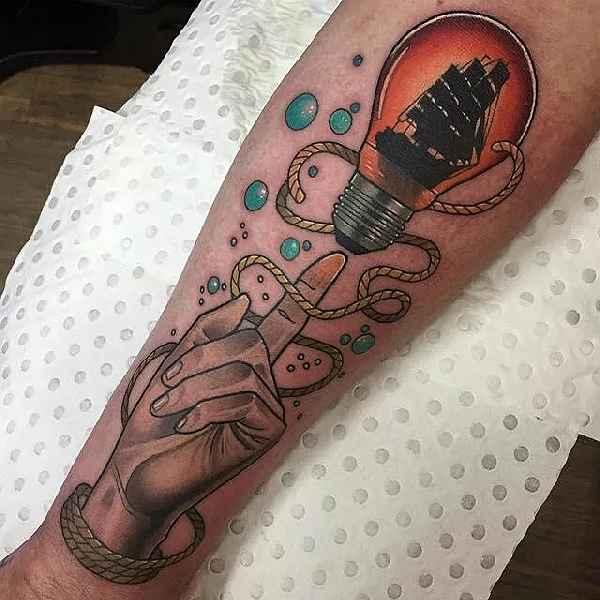 005-Drew Shallis-light-bulb-tattoo