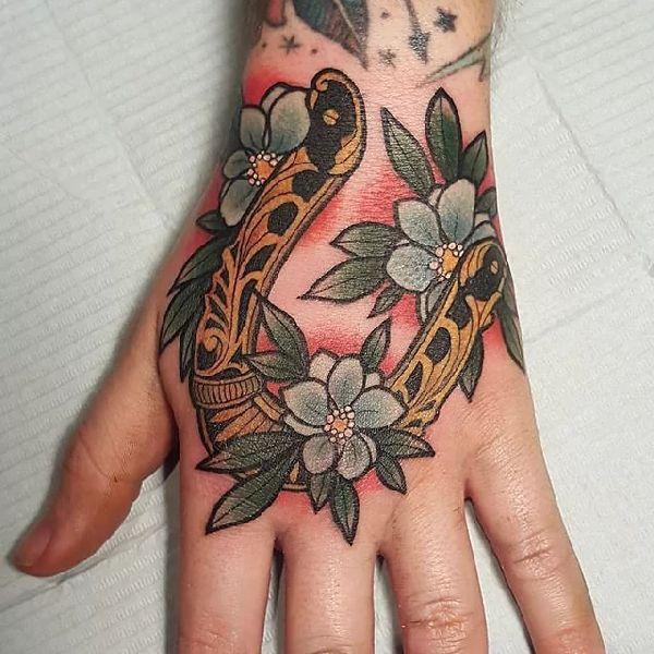 Horseshoe_Tattoo-Hufeisen-04-Stef Neale 001