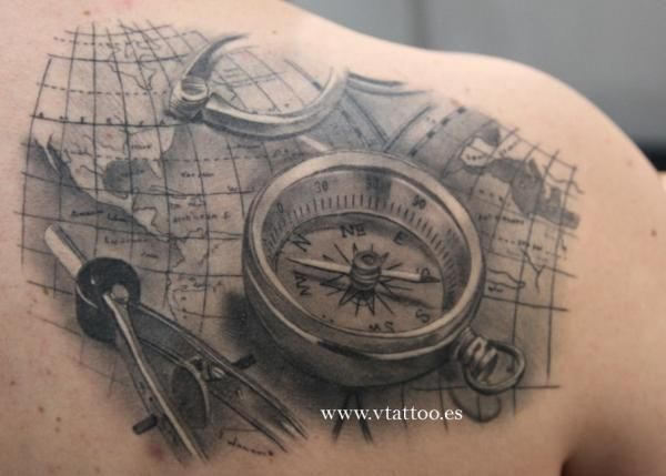 40 wundervolle kompass tattoos tattoo spirit page 2. Black Bedroom Furniture Sets. Home Design Ideas