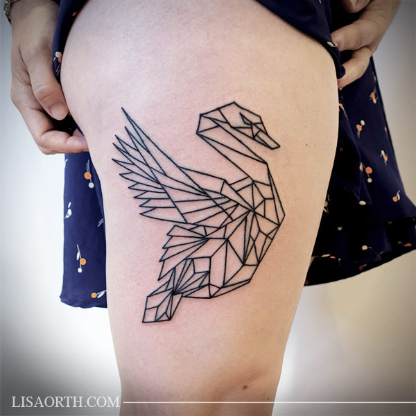 lisaorth_tattoo_julia_geometric_swan