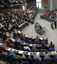 Fake-News-Bundestag-Gesetz-01